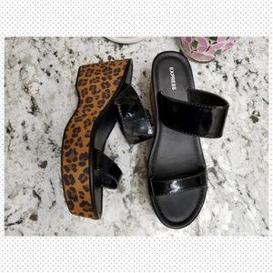 EXPRESS platform sandals